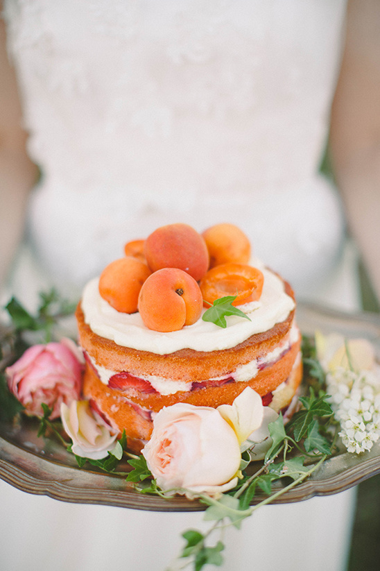 fruit wedding cake @weddingchicks