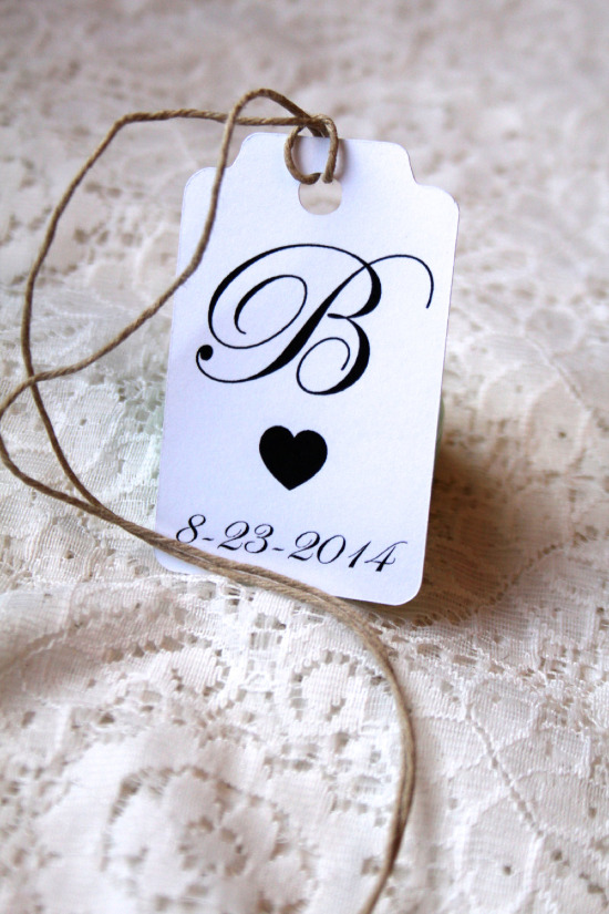 Rustic wedding favor tags from M.B. Paper Design @weddingchicks
