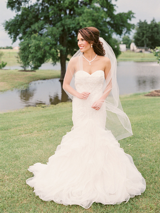 gorgeous classic bride look @weddingchicks
