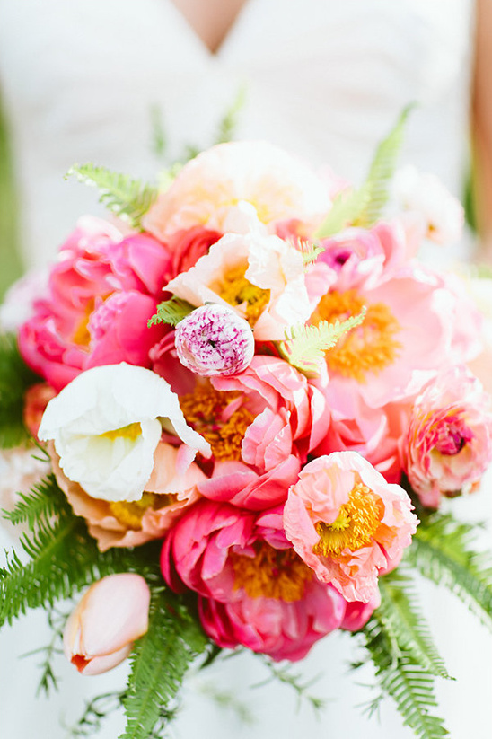 pink peony wedding bouquet @weddingchicks