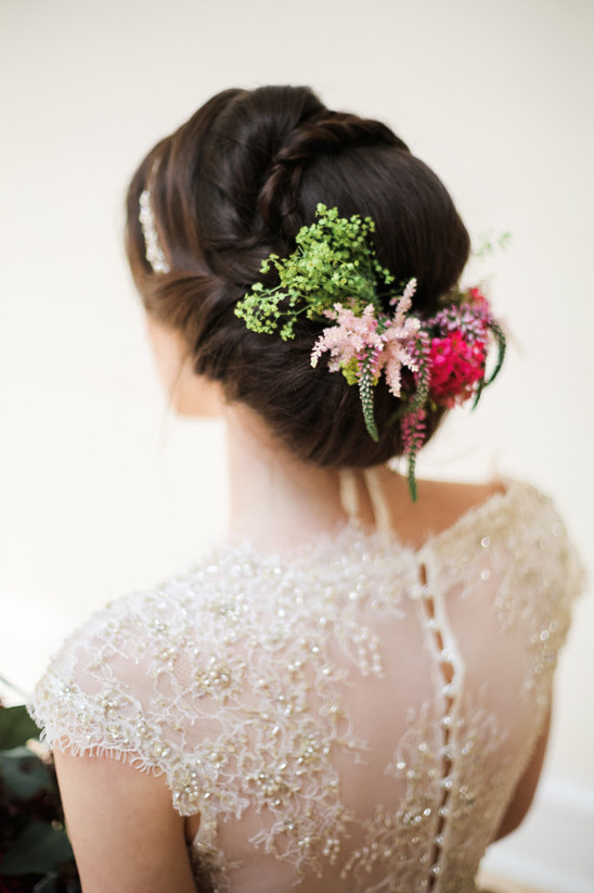 wedding updo hair ideas @weddingchicks