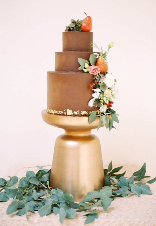 The Cakery wedding cake @weddingchicks