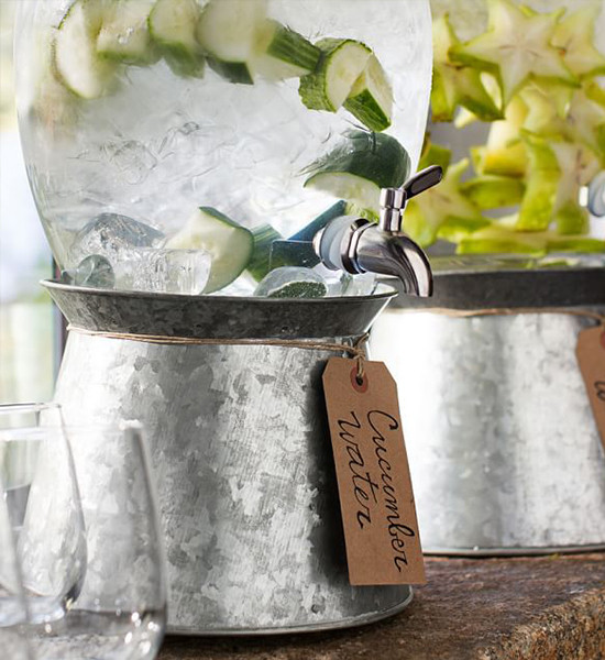 cucumber water @weddingchicks