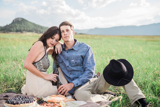 colorado wedding picnic @weddingchicks