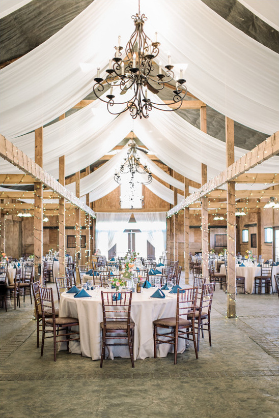 beautiful barn reception @weddingchicks