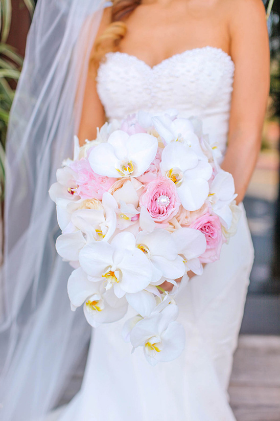 orchid and rose bouquet @weddingchicks