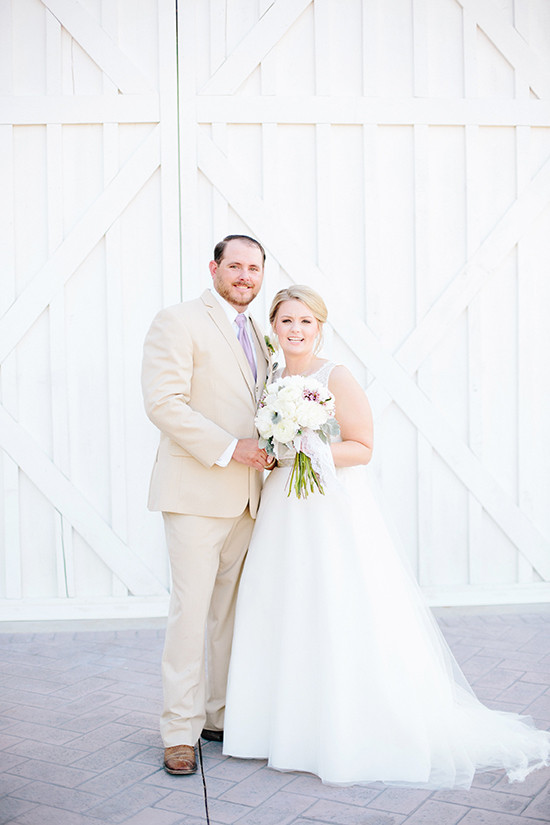 white and purple barn wedding @weddingchicks