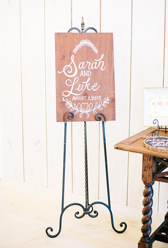 custom wedding sign ideas @weddingchicks