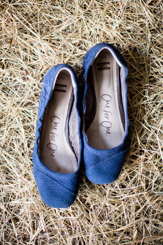 blue wedding flats @weddingchicks