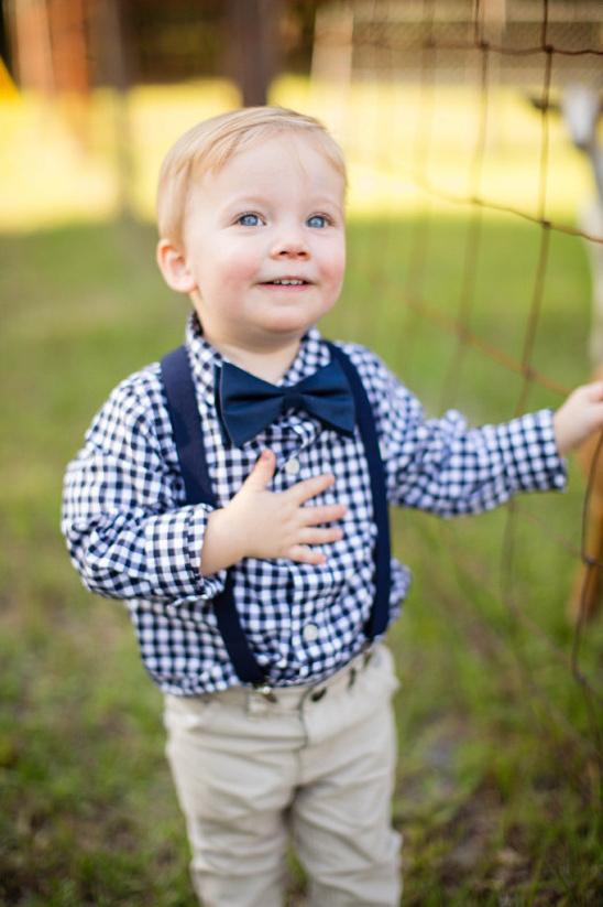 ring bearer bow tie @weddingchicks