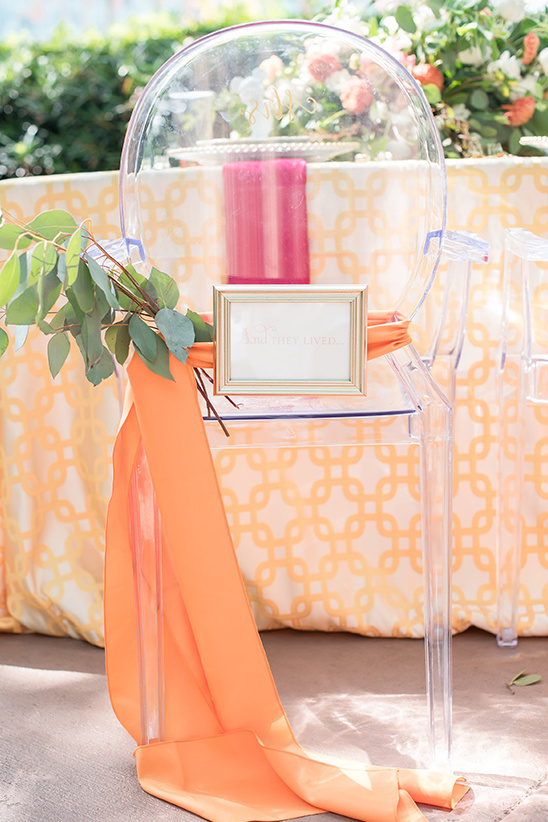 happily ever after chair signs @weddingchicks