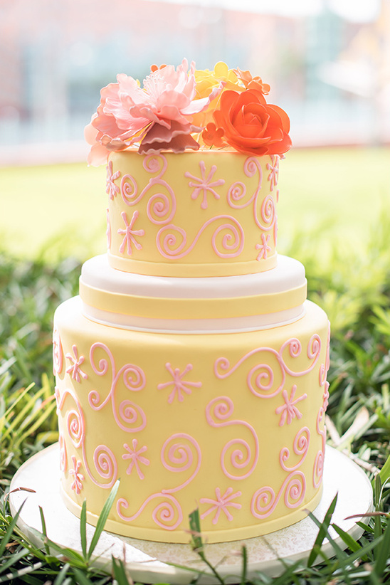 yellow and pink wedding cake @weddingchicks