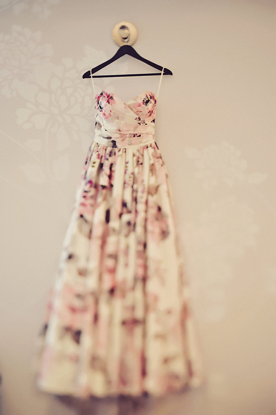 floral print wedding dress @weddingchicks