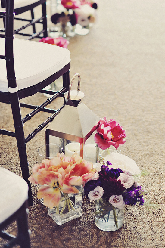 flower aisle decor @weddingchicks
