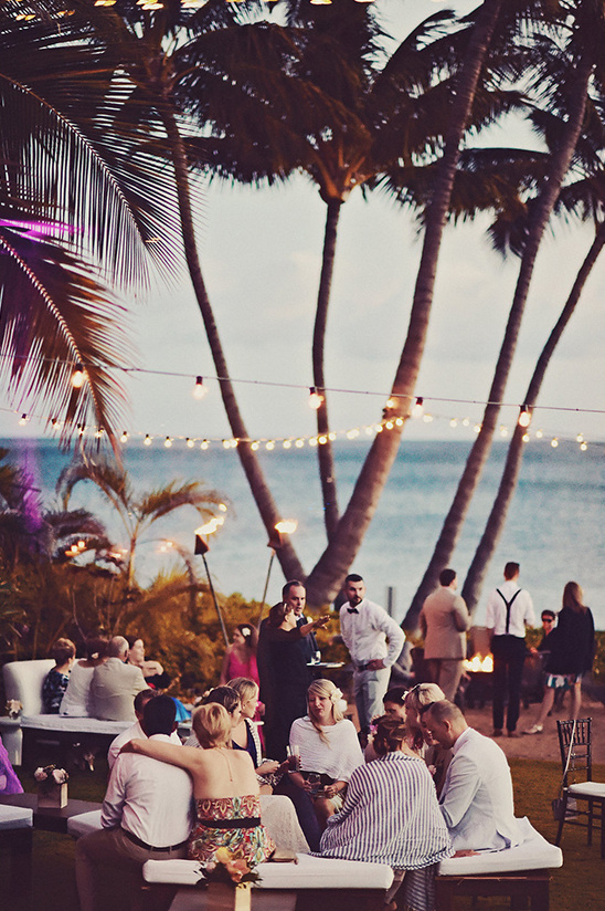 outdoor reception in Hawaii @weddingchicks