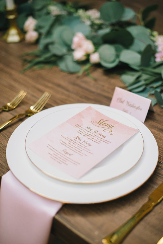 gold and peach menu @weddingchicks
