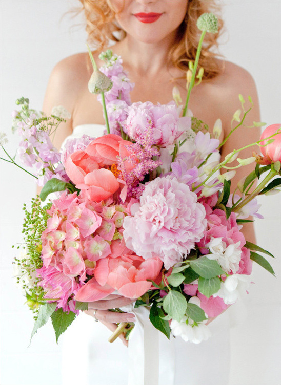pink and purple bouquet @weddingchicks