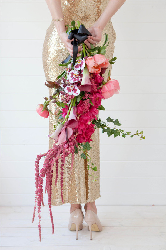 cascading bouquet @weddingchicks