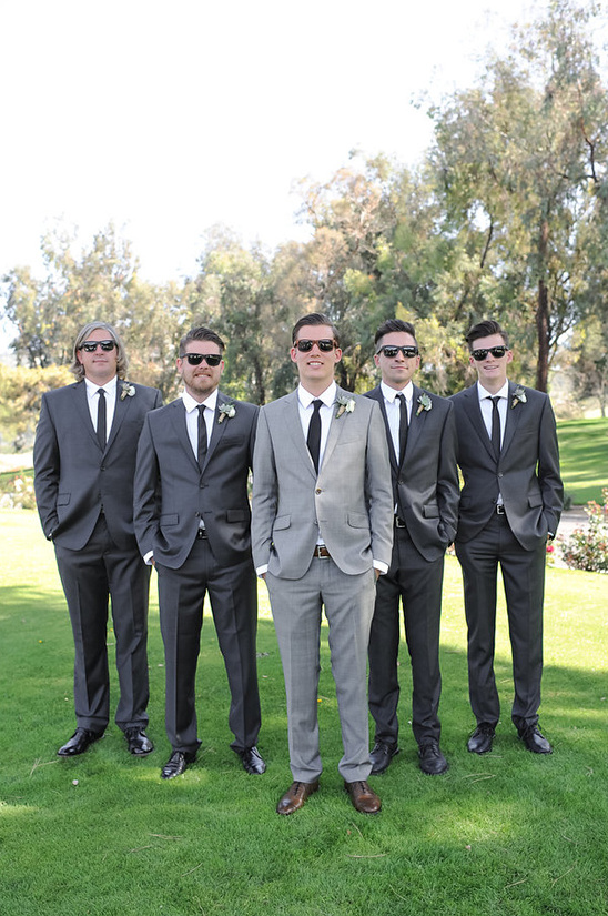 dark grey groomsmen @weddingchicks