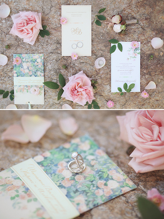 floral wedding invitations @weddingchicks