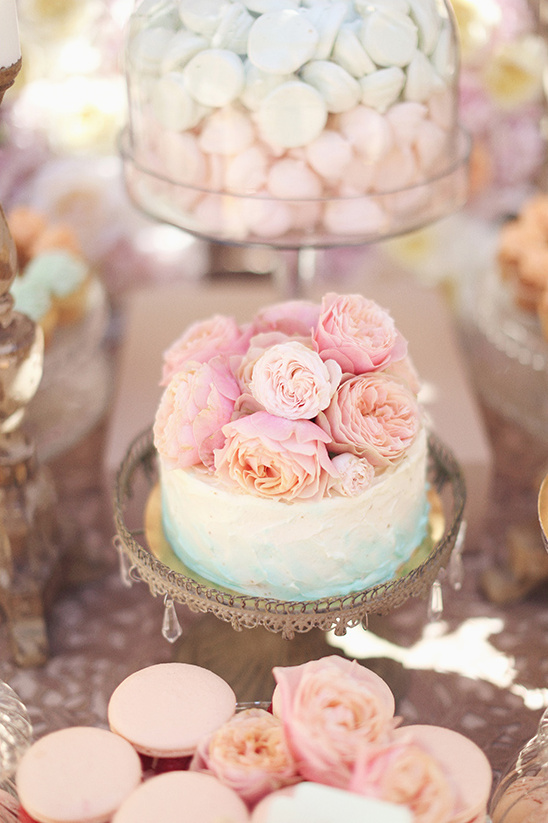 ombre mini wedding cake @weddingchicks