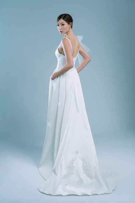 Mix & match fabulous bridal separates and accessories to create different looks throughout the big day. @weddingchicks
