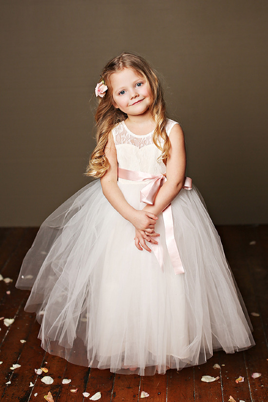 Darling flower girl dresses from Fattiepie @weddingchicks