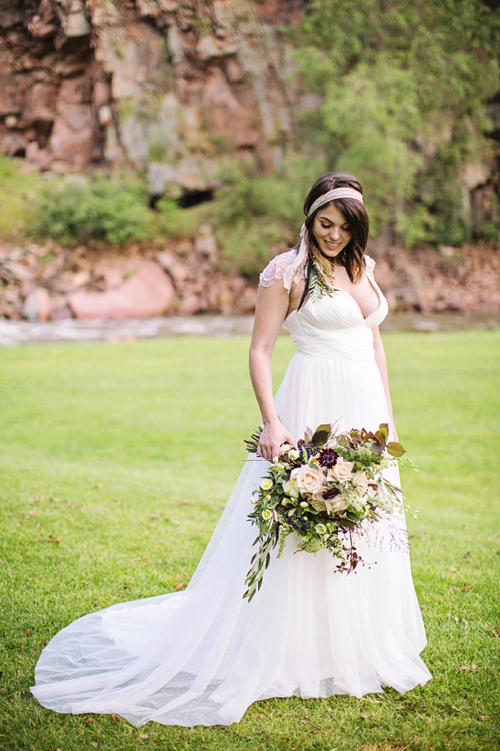 Dora Grace wedding dress @weddingchicks