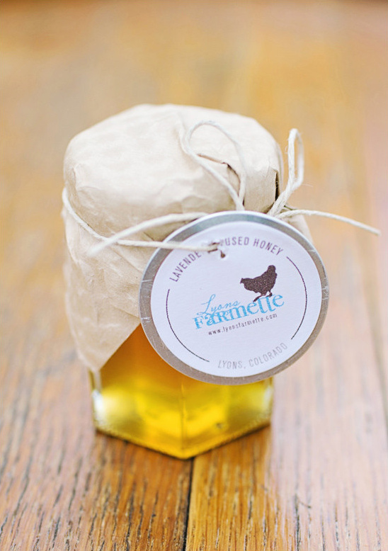 honey wedding favor @weddingchicks