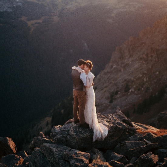 Stunning wedding photography by Cassie Rosch, a destination-based wedding and elopement photographer. @weddingchicks