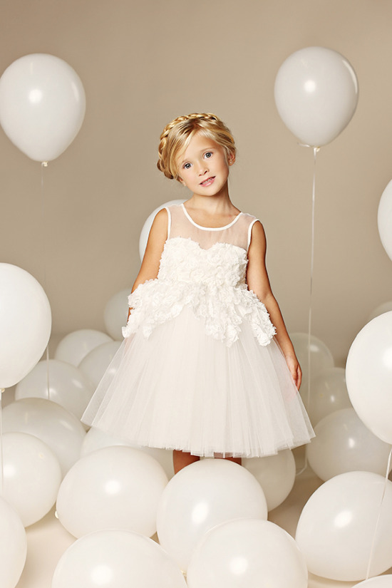 Flower girl dresses from FattiePie @weddingchicks