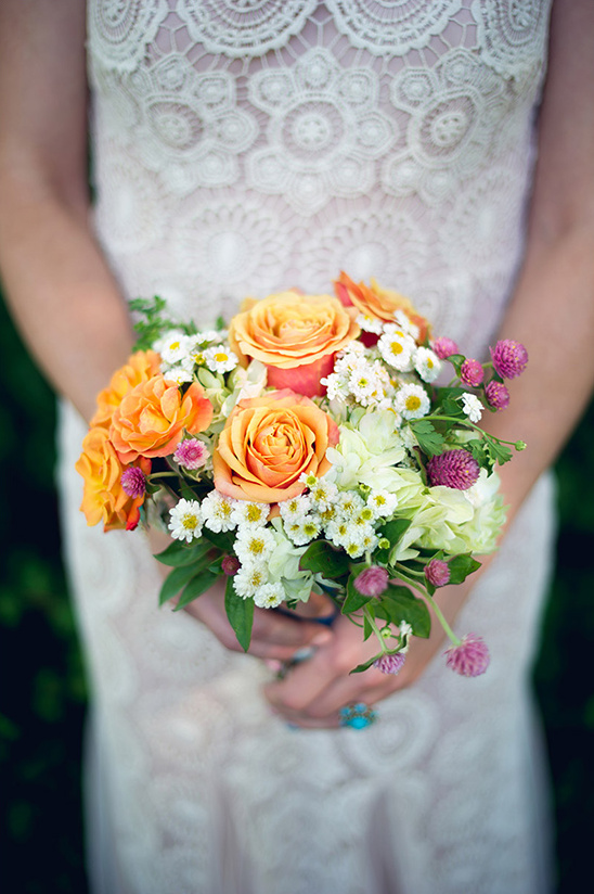 simple wedding bouquet @weddingchicks