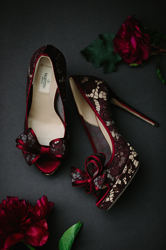 red lace heels @weddingchicks
