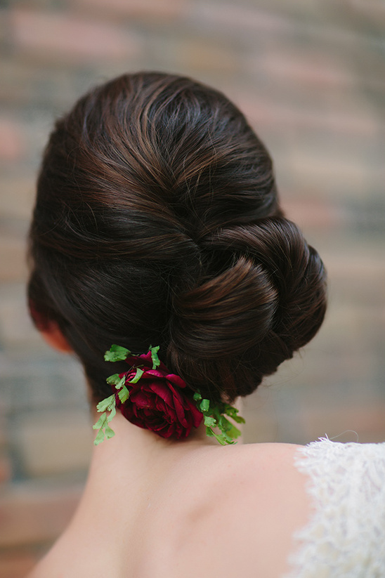 wedding hair twist bun @weddingchicks