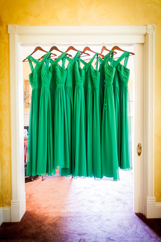 green bridesmaid dresses @weddingchicks