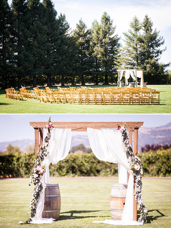 outdoor wedding ceremony decor @weddingchicks
