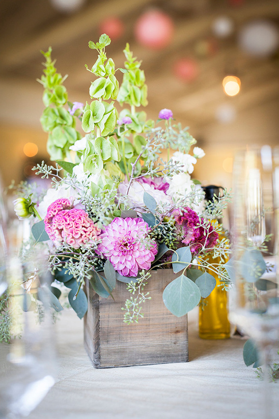 reception centerpiece flowers @weddingchicks