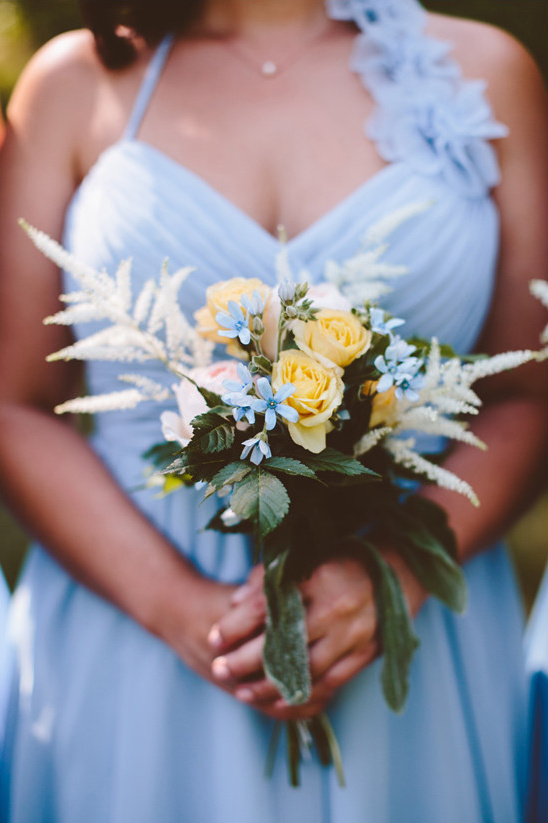 yellow white and blue bouquet @weddingchicks