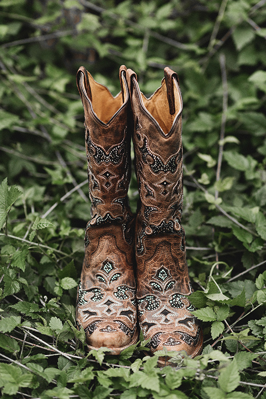 wedding cowgirl boots @weddingchicks