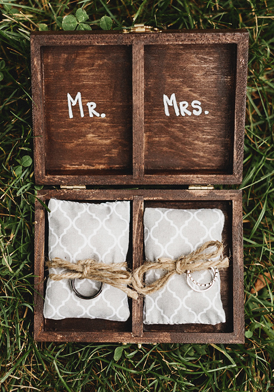 ring box details @weddingchicks