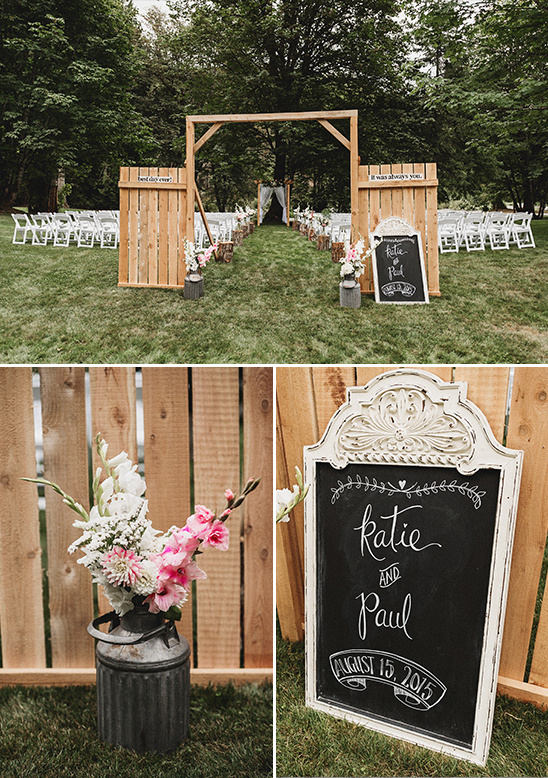 rustic ceremony decor @weddingchicks