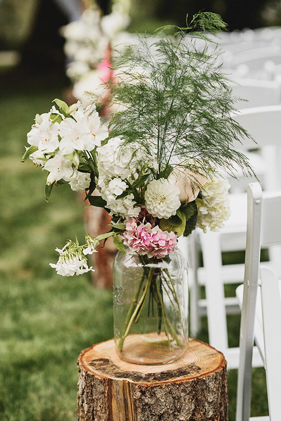 ceremony aisle decor @weddingchicks
