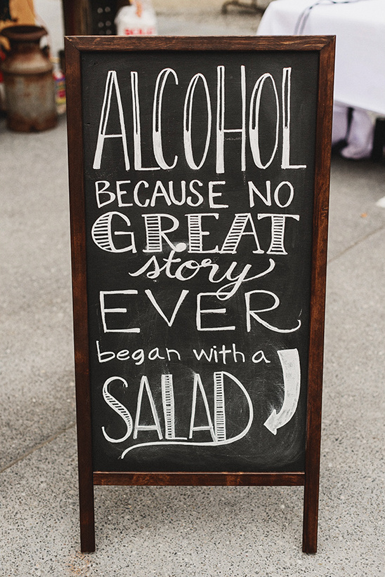 bar wedding signs @weddingchicks