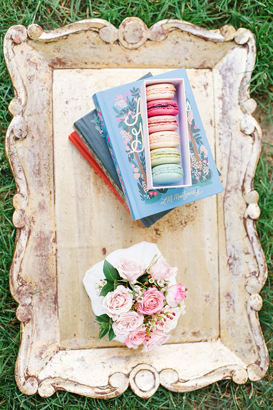 vintage wedding decor @weddingchicks