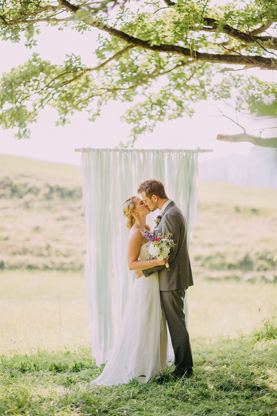 countryside wedding @weddingchicks