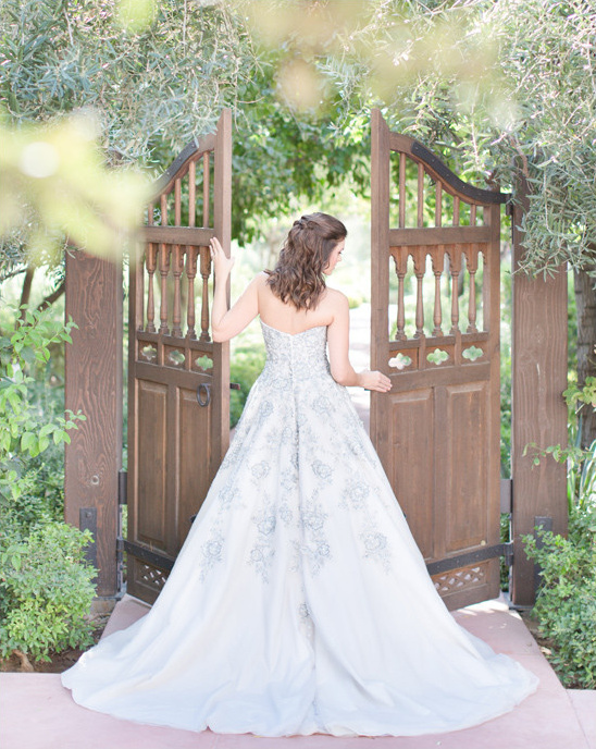 silver and white wedding dress @weddingchicks