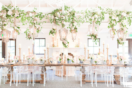 white and gold reception decor @weddingchicks
