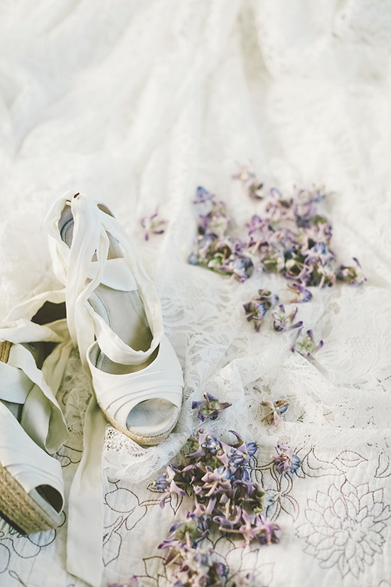 white wedding shoes @weddingchicks