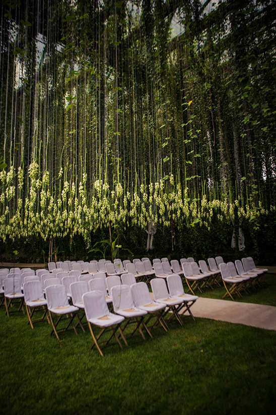 flower canopy ceremony @weddingchicks