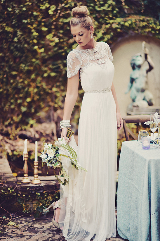 Catherine Deane wedding dress @weddingchicks